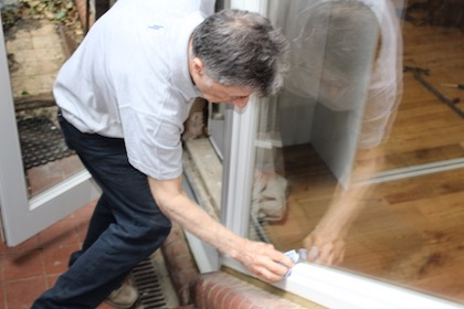 The sashed fitting team fitting wooden French doors